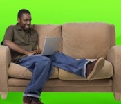 dude sitting in sofa installing wordpress